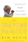 praying_family